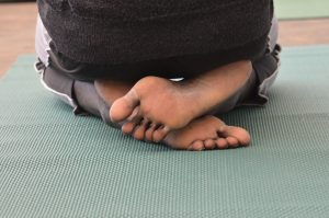 refugee-yoga-feet