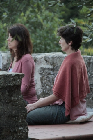 restorative-retreat-meditation italy