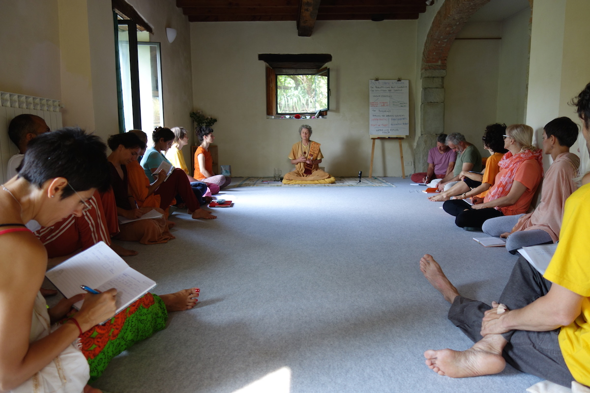 yoga teacher-training italy